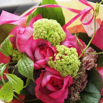 母の日,イブピアッチェ,ショートブーケスタイル花束
